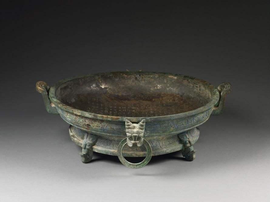 陕西农民挖地基,竟然挖出2700年前的青铜家谱!专家:这是中国第一盘